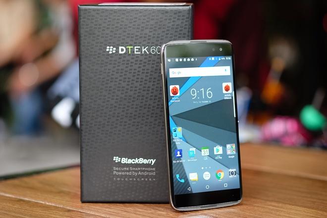 12-BlackBerry-DTEK60-Priv-VnE-7890-1479098843_660x0.jpg