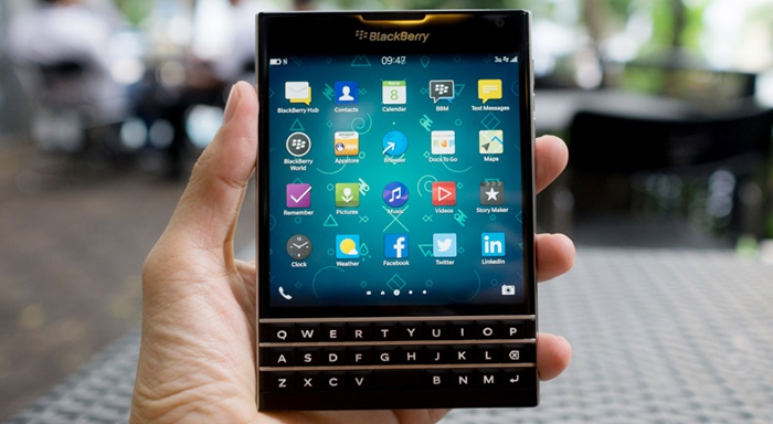 2667439_BlackBerry_Passport.jpg