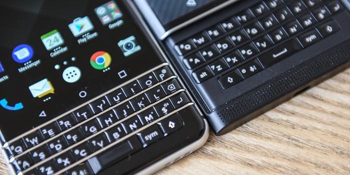 636237044071853064_mwc-2017-so-sanh-blackberry-keyone-va-blackberry-priv-cover.jpg