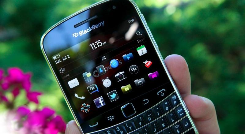 blackberry-bold-9900-61 (1).jpg