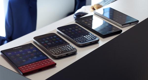 BlackBerry-Classic-White-Blue-Bronze-12.jpg