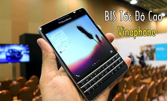 blackberry-passport-att-fullbleed.jpg