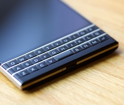 blackberry-passport-silver-edition-v2-233839-1280x720.png