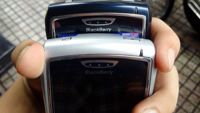 blackberry8700.jpg