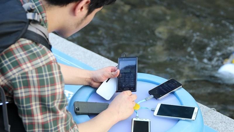 dien-thoai_cam-sac-smartphone-tai-cac-diem-sac-cong-cong-lieu-co-an-toan_1 (1).jpeg