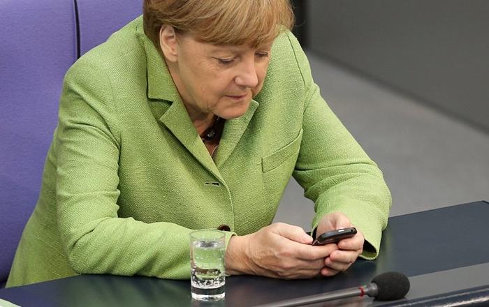 Merkel-Q10.jpg