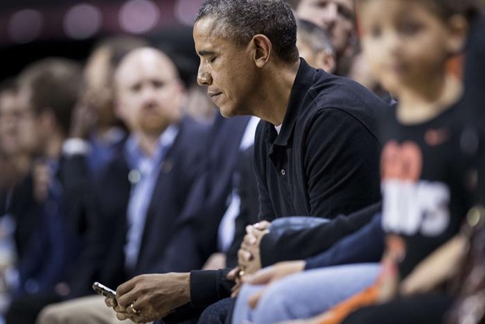 obama-blackberry.jpg