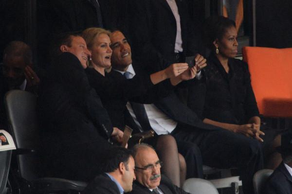 Obama-selfie-Z10.jpg