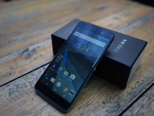 thay-pin-Blackberry-dtek50.jpg