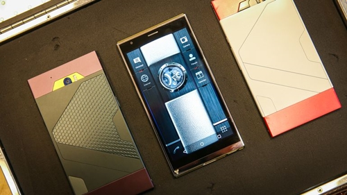 turing-phone-first-look-aa-7-of-23-840x473.jpg