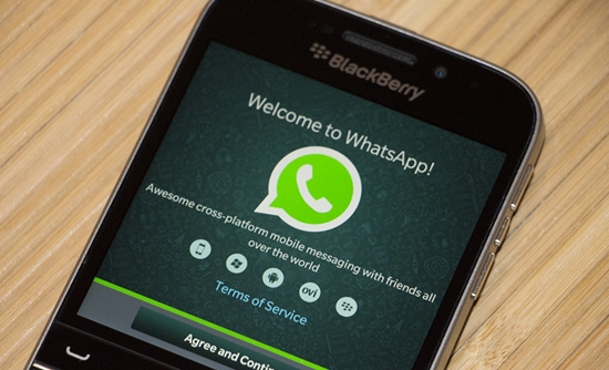 WhatsApp-BlackBerry-Classic-Screenshot.jpg