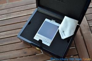 BlackBerry Passport 'Gold &White' Edition