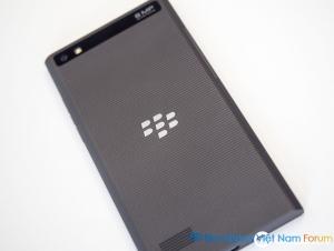 Hình ảnh BlackBerry Leap mới được công bố vào ngày 03/03/2015