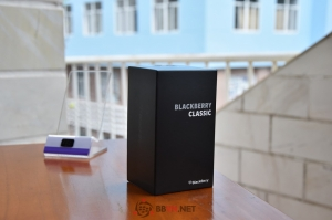 BlackBerry Classic màu xanh Coban và so sánh cùng các phiên bản khác