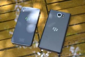 CHIA SẺ So sánh ngoại hình DTEK50 và BlackBerry Priv